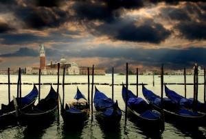 venice-gondolas-italy-venezia-65606