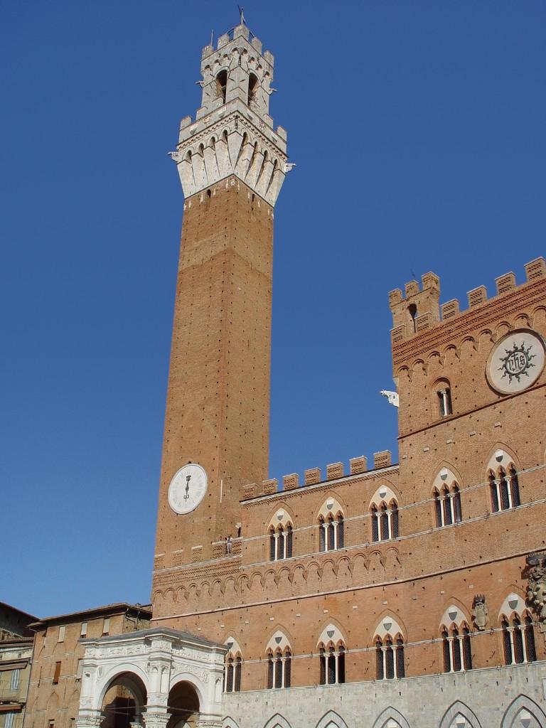 Der Torre del Mangia in Siena